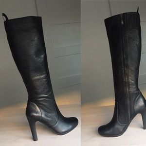 DKNYC Shoes - NIB DKNY Black Tumbled Leather Sydney Boots
